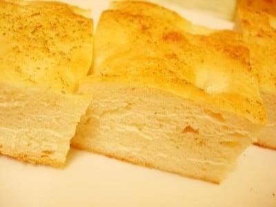 フォカッチャとは?イタリアのテーブルパンレシピ