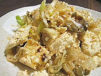 豆腐とねぎとザーサイのピリ辛サラダ