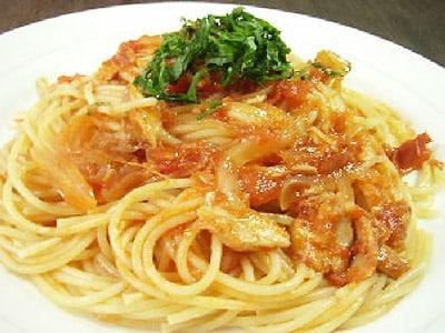 夏休みランチ トマトとツナのスパゲティ