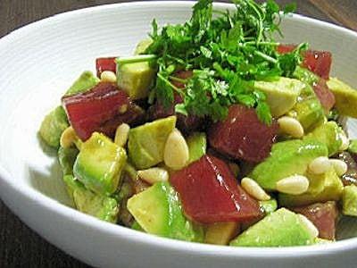 簡単!まぐろとアボカドのサラダの作り方