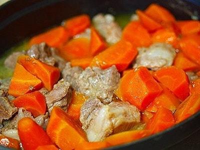 にんじんとラム肉の煮込み