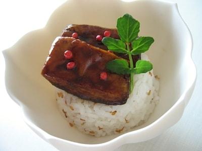 ちょっぴり贅沢 とろけるフォアグラ丼