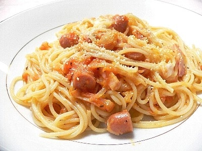 モッツァレラとフレッシュトマトのパスタ