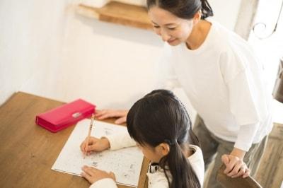 間違えやすい漢字は家庭でも根気よく練習を