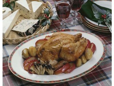 ローストチキンのレシピ……丸鶏に入れるスタッフィングはお米でも!