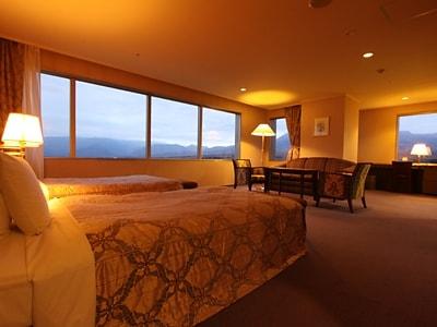 高原リゾートを満喫できる眺めのコーナースイート