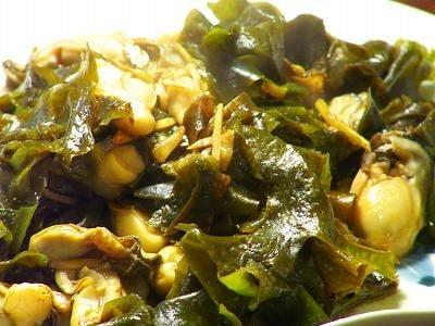 牡蠣とワカメの生姜炒め