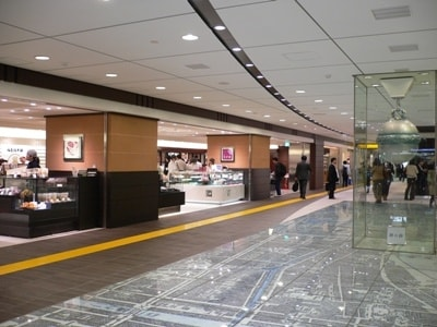 東京駅改札内のエキナカ施設『グランスタ』。約50のお店が集結