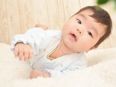 生後3か月になると首がすわるまであと少し!かなりしっかりしてきます