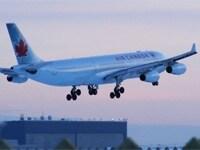 バンクーバーとトロントに直行便を運航するエアカナダ