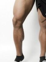 ふくらはぎの筋肉は、下肢の血液を心臓の方向へ戻すポンプの役割があります