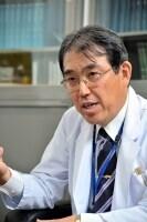 渡辺晋一(わたなべしんいち):帝京大学医学部皮膚科主任教授、同大学医真菌研究センター教授。1952年生まれ。東京大学医学部卒業。専門はレーザー治療、皮膚真菌症。