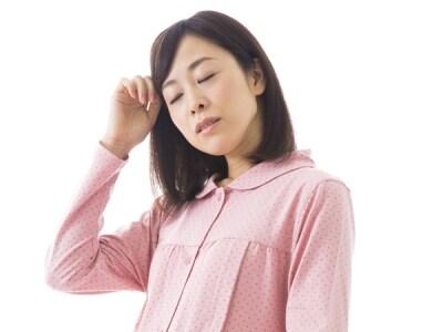 症状が見られる方は急に立ち上がらないようにしたり、めまいを感じたら横になって休みましょう