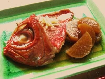 甘辛いタレが絶品! 金目鯛の煮付け
