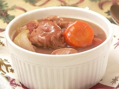 鶏肉と野菜の赤ワイン煮