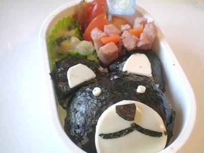 ハサミ不要のキャラクター弁当「クマさんおにぎり」