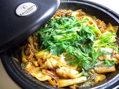 ご飯がすすむ!ピリ辛タジン鍋