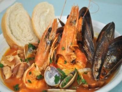 ズッパディペッシェとは!ナポリの漁師料理レシピ