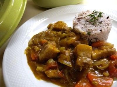 バーミキュラ鍋でカレーを作る! 濃厚な味わいが楽しめる
