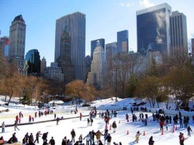 ニューヨークでは、アイススケートはメジャーな冬のアクティビティ