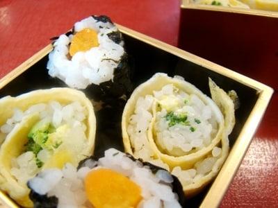 1歳前後から食べられる 簡単カラフル巻き寿司