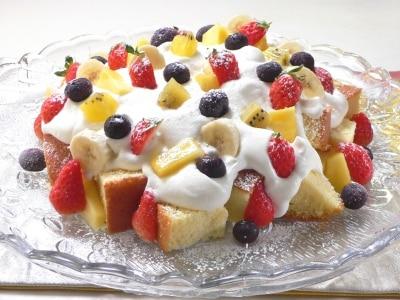 炊飯器スポンジで作る、彩り果実のショートケーキ