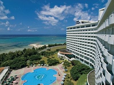 沖縄残波岬ロイヤルホテル(外観)