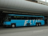 ダウンタウンユニオンステーション他4か所に行くフライアウェイバス