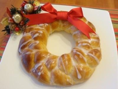 クリスマスリースパンのレシピ……見た目も可愛いく、味も美味しい!