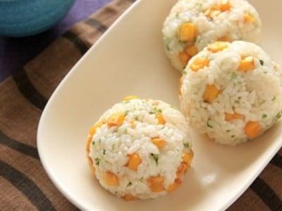 バター醤油コーンごはん(おにぎり)の簡単レシピ!