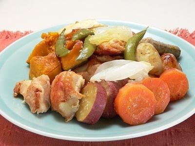 炊飯器で、鶏肉と野菜の塩麹蒸し焼き