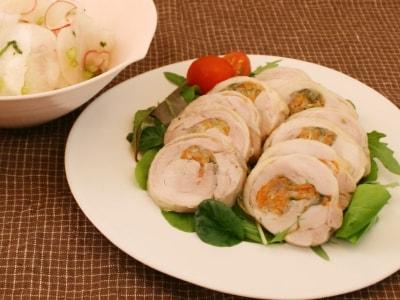 野菜とハーブの鶏ハムとかぶの紅白マリネ