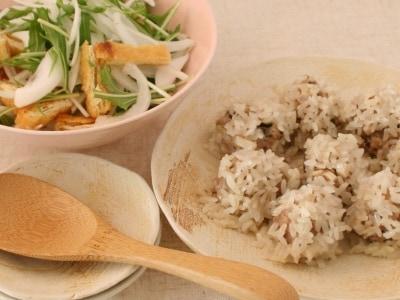 もち米シュウマイと新玉ねぎのサラダ
