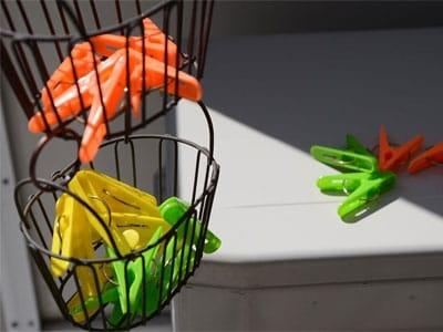 吊り下げ洗濯バサミカゴ