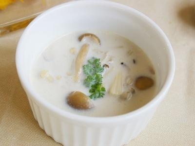 キノコのミルクスープ