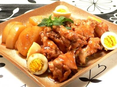 業務用スーパー活用レシピ!手羽元と大根と卵の煮物