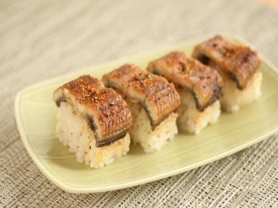 土用の丑の日に うなぎしかないときの棒寿司