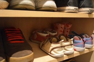 子ども用の小さい靴の場合は、二列にしても置くことも