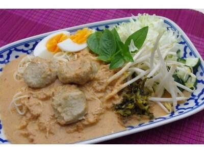 ピリ辛ダレで食べる タイ風カレーそうめん