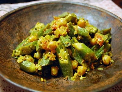 オクラとひよこ豆のサブジ(炒め煮)