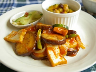 簡単・酢豚風! 厚揚げと夏野菜の甘酢炒め