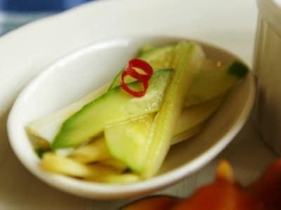 きゅうりとセロリの浅漬けの作り方!さっぱり美味しい箸休めレシピ