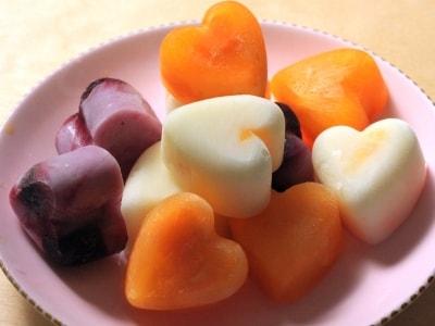 カラフルな簡単フルーツアイスキャンディー