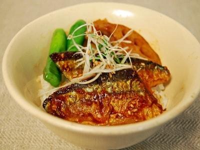 韓国風サンマのかば焼き丼