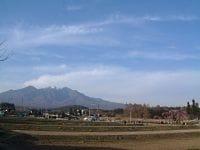中央線の車窓から眺められる八ヶ岳