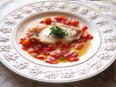 生姜焼き用豚肉でイタリアン……トマトとチーズでピザイオーロ!