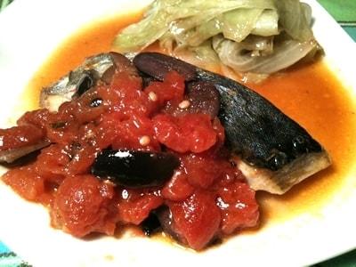 普段の夕食に、簡単!白身魚のトマト煮