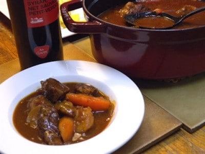 ビーフシチューの本格レシピ! お肉ほろほろ煮込み料理