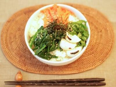 野菜たっぷり!冬野菜のナムル丼