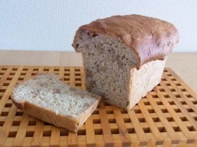 100%全粒粉パンの簡単レシピ・作り方!生地からパンを作る方法